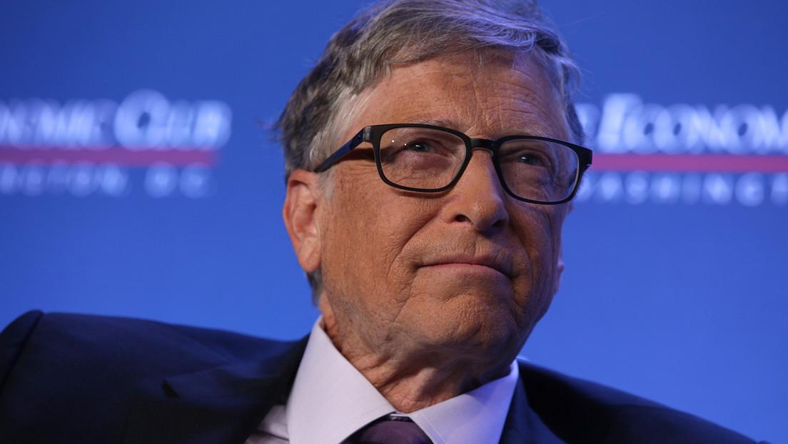 El multimillionario Bill Gates cree que los bares y restaurantes deberían estar cerrados otro medio año y que EE.UU. volverá a la normalidad en 2022