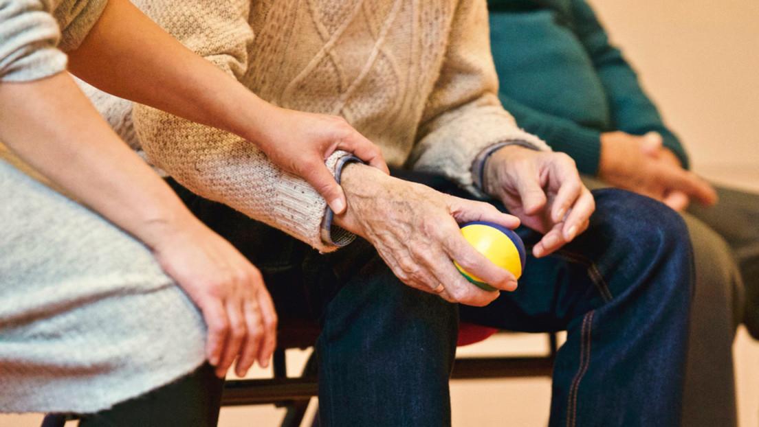 Un Santa Claus superpropagador deja 118 casos confirmados de covid-19 luego de visitar un hogar para ancianos en Bélgica
