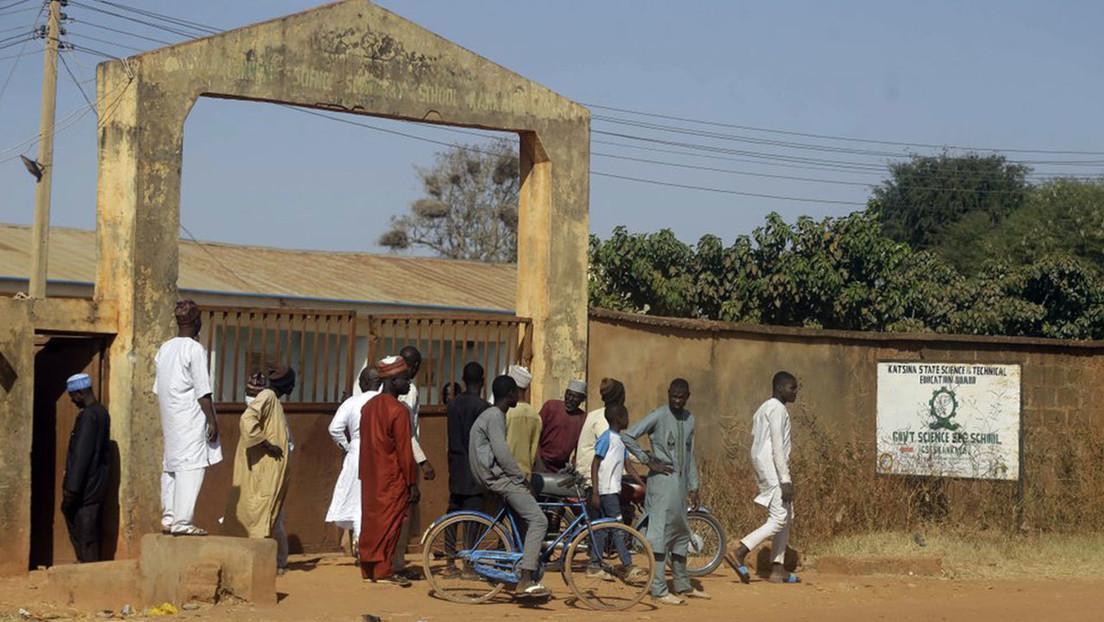Boko Haram se atribuye el secuestro de al menos 333 niños en una escuela de Nigeria