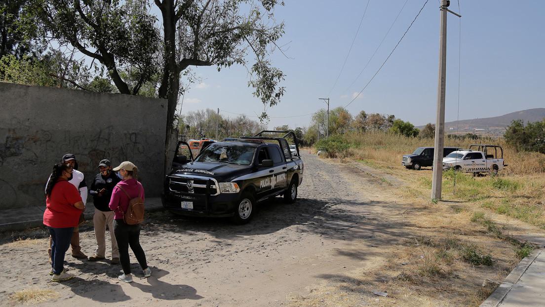 Hallan los restos calcinados de dos personas en una camioneta en Guanajuato y podrían corresponder a los de una pareja desaparecida