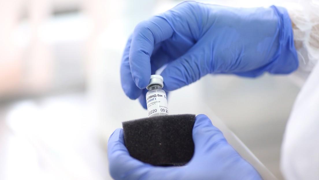 """Director del Centro Gamaleya: """"La 'vacuna light' contra el covid-19 no será efectiva por mucho tiempo, pero permitirá prevenir casos fatales graves"""""""