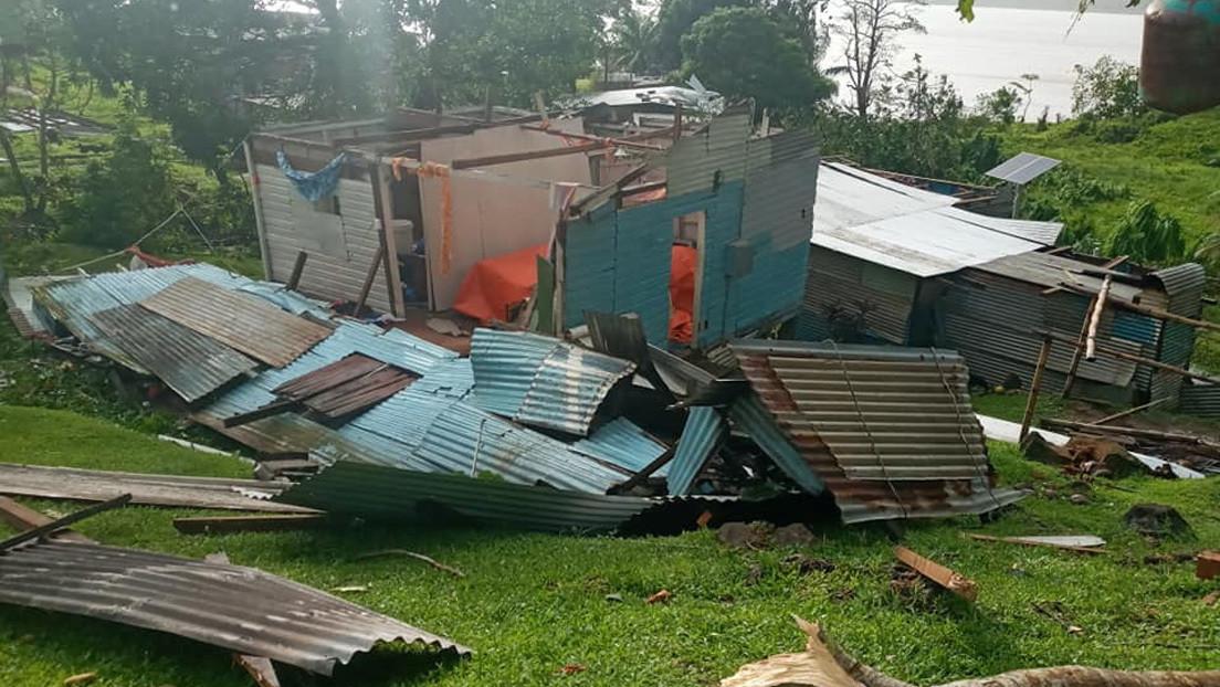 Un superciclón arrasa Fiyi con ráfagas de 345 kilómetros por hora y obliga a evacuar a unas 24.000 personas