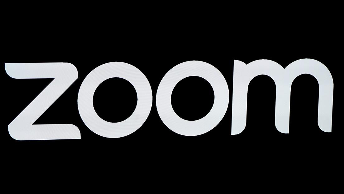 VIDEO: Cansado de buscar el botón de Zoom para terminar las videoconferencias, diseña e imprime una cadena para hacerlo