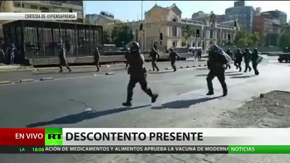 Experto prevé nuevas olas de protestas en Chile si Piñera veta el indulto a manifestantes arrestados en 2019