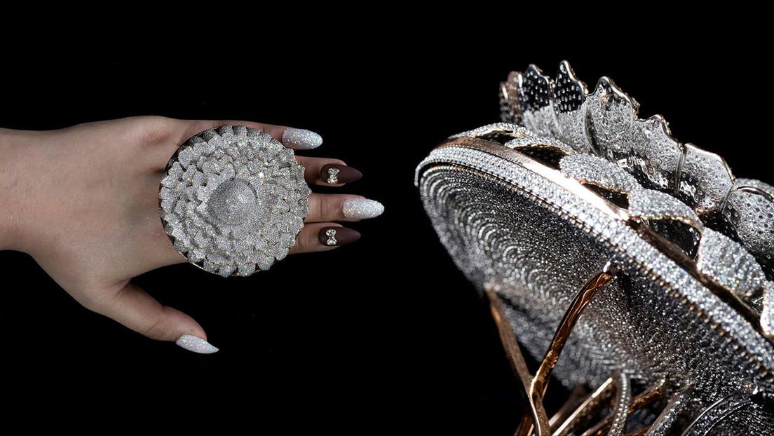 VIDEO: Así luce el anillo con más diamantes incrustados en el mundo