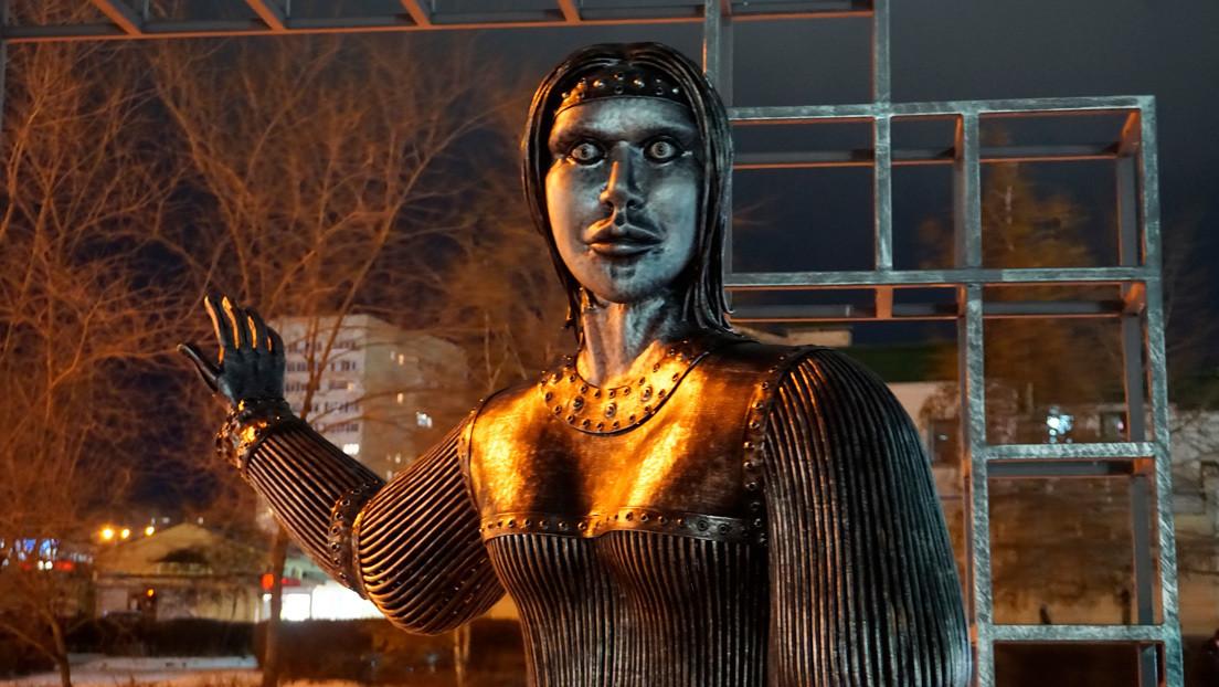 Una estatua inaugurada con motivo del aniversario de una ciudad aterroriza a los vecinos (y se convierte en meme)