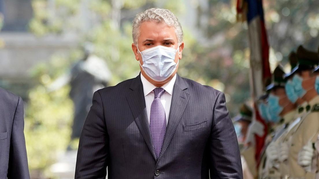"""""""Tendríamos un llamado a la estampida"""": Duque advierte que los venezolanos en situación irregular no serán vacunados contra el covid-19 en Colombia"""