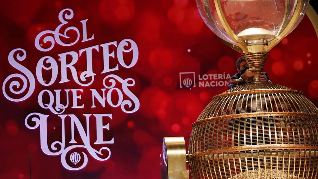 """""""Se les ha caído una bola y nadie la recoge"""": internautas alertan sobre una supuesta falla en la lotería de Navidad de España"""