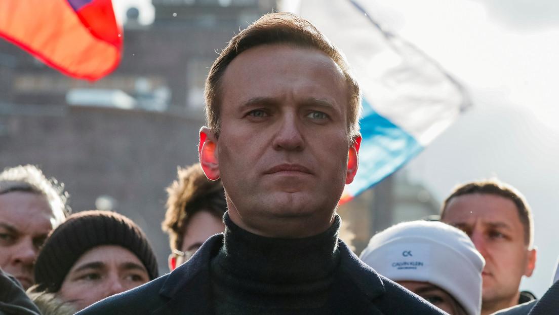 """Portavoz de Putin sobre el presunto envenenamiento de Navalny: """"El paciente sufre de megalomanía, se compara con Jesús"""""""