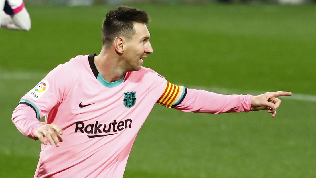 Messi supera a Pelé y se convierte en el máximo goleador de todos los tiempos con un mismo equipo
