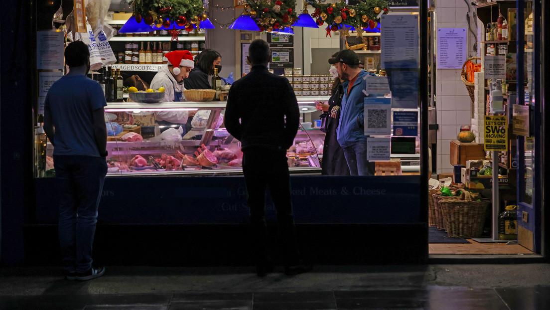 """""""Si usan carne de cerdo, ustedes son abusadores de animales"""": Una vegana y una carnicera se enfrentan en un centro comercial (VIDEO)"""