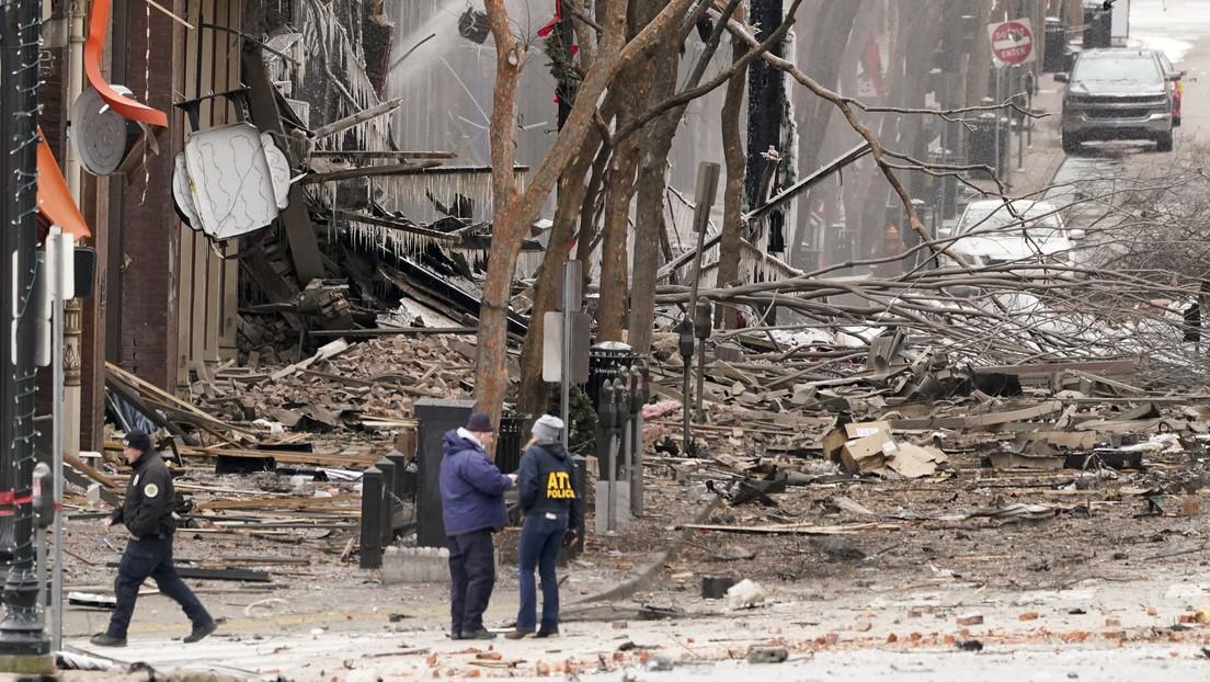 La risa del alcalde de Nashville durante una entrevista sobre la explosión causa indignación en la Red (VIDEO)