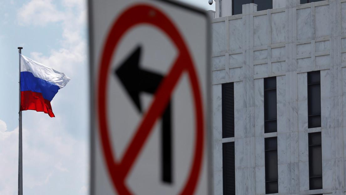 """La Embajada rusa en Washington acusa a EE.UU. de desatar una """"guerra de visados"""""""