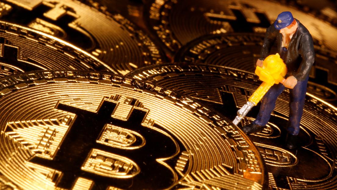 El bitcóin alcanza un nuevo récord y supera por primera vez los 25.000 dólares