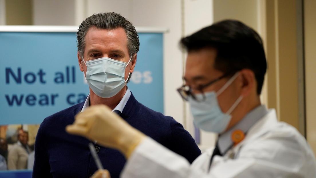 Personas adineradas en Los Ángeles ofrecen hasta 25.000 dólares por acceso prioritario a las vacunas