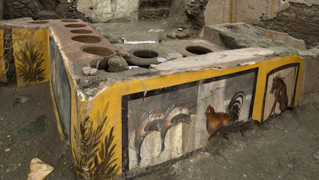 Descubren en Pompeya un antiguo restaurante aún con restos de comida