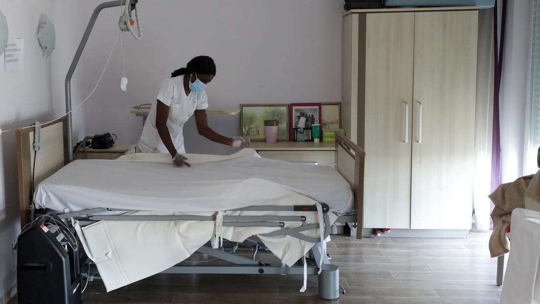 Al menos 18 residentes de un hogar para ancianos mueren y más de 150 dan positivo por coronavirus tras la visita de Santa Claus