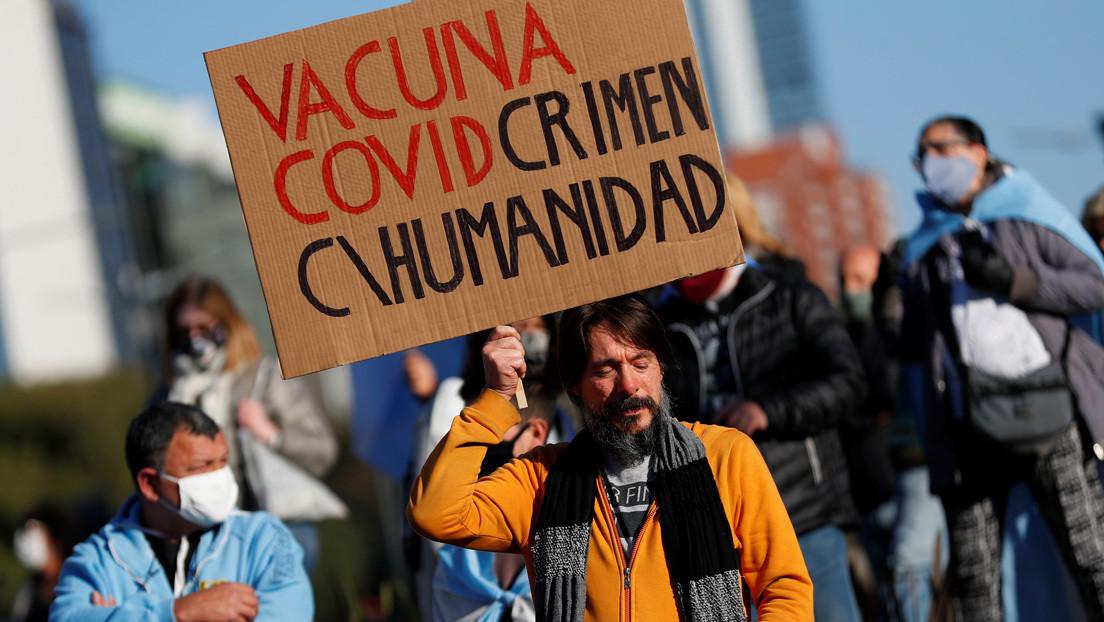"""La campaña contra la vacuna rusa en Argentina: del miedo al """"comunismo soviético"""" a la desconfianza sin fundamentos científicos"""