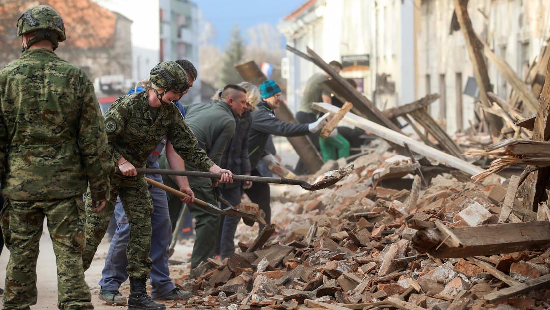 VIDEO: Captan en vivo el momento en que una réplica interrumpe la entrevista al alcalde de la ciudad más afectada por el sismo en Croacia