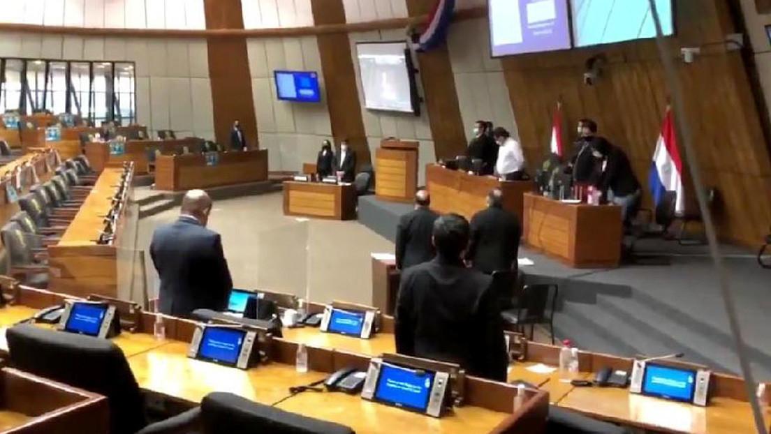 La Cámara de Diputados de Paraguay realiza un minuto de silencio en repudio a la legalización del aborto en Argentina
