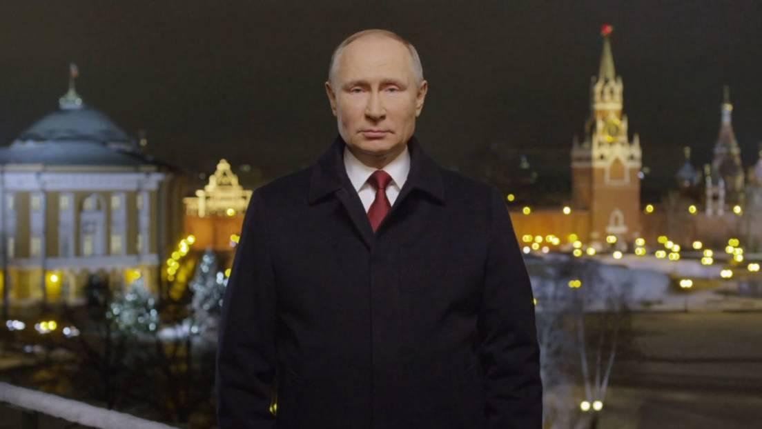 VIDEO: Vladímir Putin felicita a los rusos por la llegada del 2021 con el  tradicional mensaje de Año Nuevo - RT