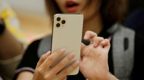 Hallan una vulnerabilidad que permite a los 'hackers' controlar de forma remota un iPhone tras conectarse a la misma red wifi que la víctima