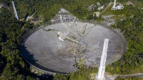 VIDEO: Momento en el que colapsa el histórico radiotelescopio de Arecibo en Puerto Rico