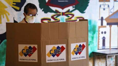 El chavismo triunfa en las parlamentarias de Venezuela y obtiene la mayoría en la Asamblea Nacional, con 67,6 % de los votos