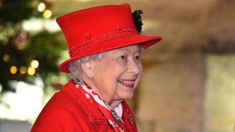 El otro mensaje de la reina que cierra un año irreal: Un canal británico publica un 'deepfake' de Isabel II (VIDEO)