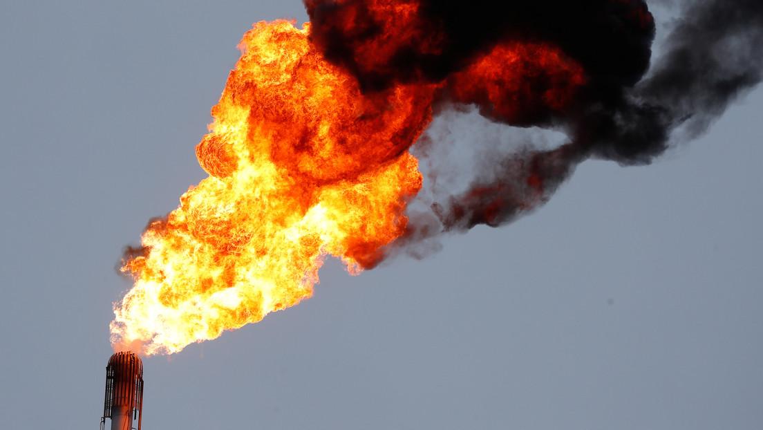 Explota un oleogasoducto frente a la terminal marítima de una refinería mexicana (VIDEOS)