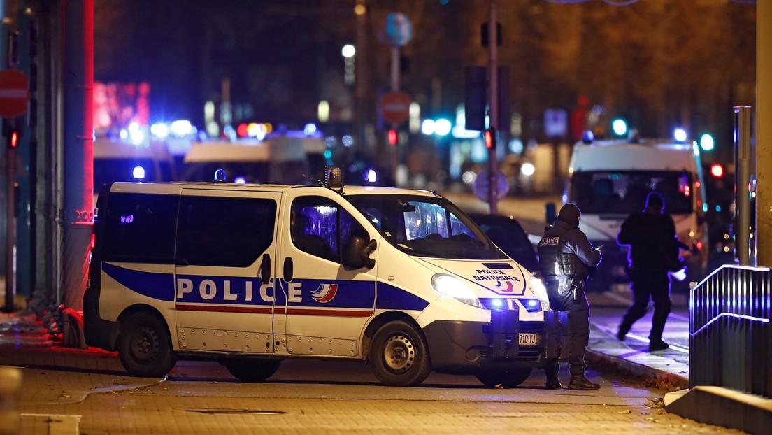 VIDEO: Incendian decenas de coches en Estrasburgo durante la Nochevieja