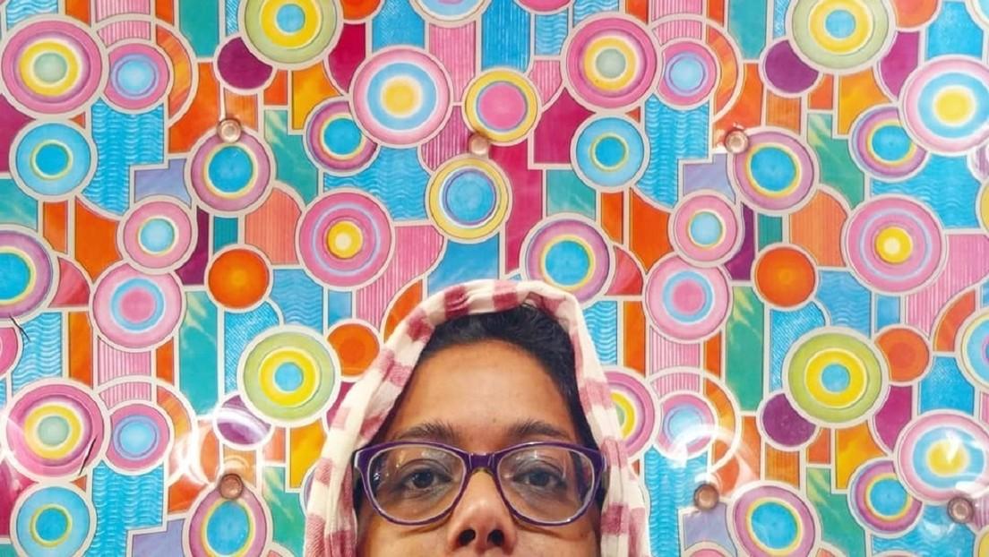 FOTOS: Una periodista convierte su cuenta de Instagram en una 'galería' con cientos de techos únicos de taxis de Bombay