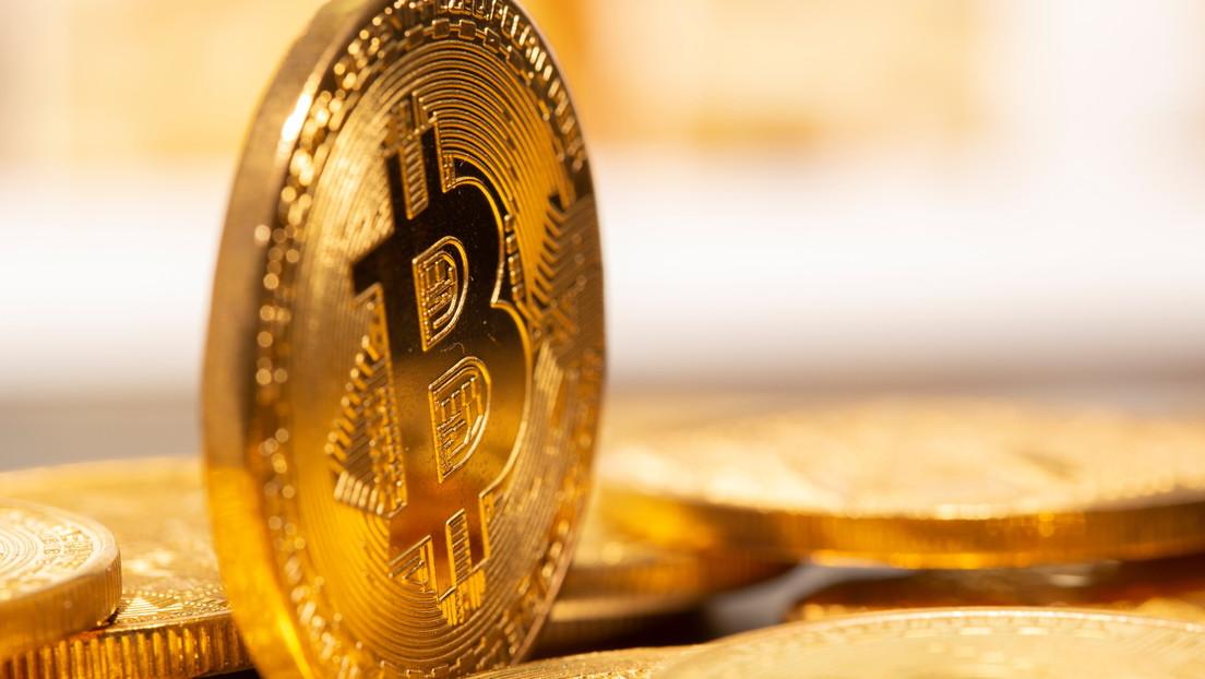 Tercer hito histórico en un día: el precio del bitcóin ya supera los 32.000 dólares