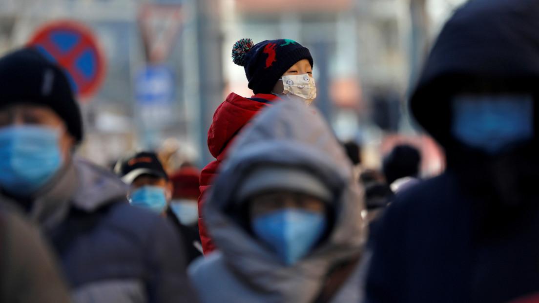 """Canciller chino: """"La pandemia probablemente fue causada por brotes separados en varios lugares y China fue el primer país en reportar los casos"""""""