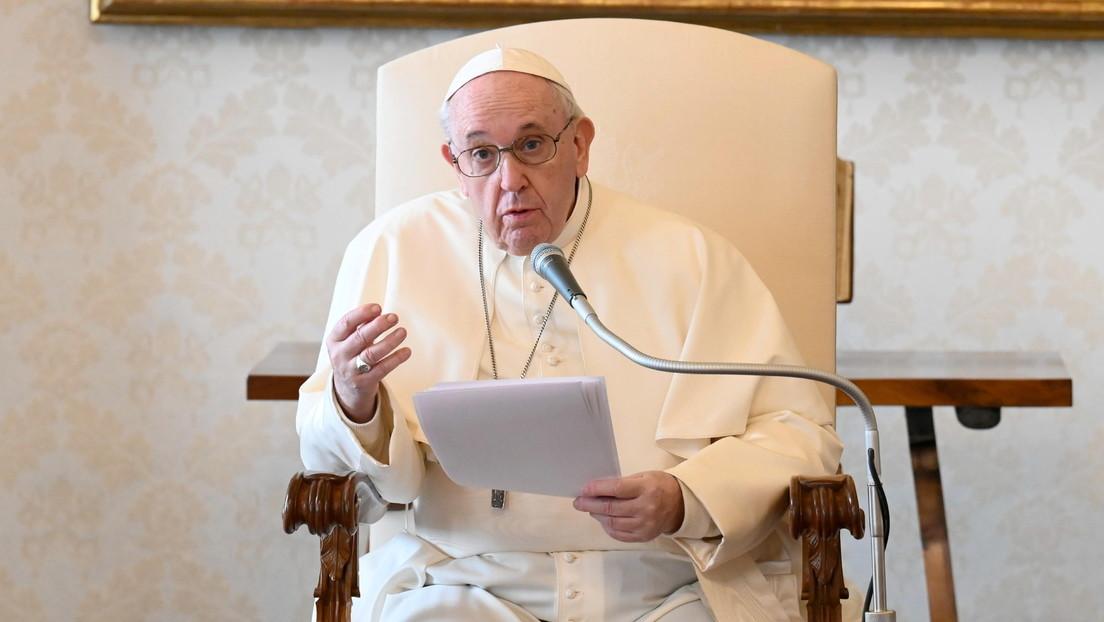 El papa Francisco critica a las personas que salieron a vacaciones en medio de la pandemia