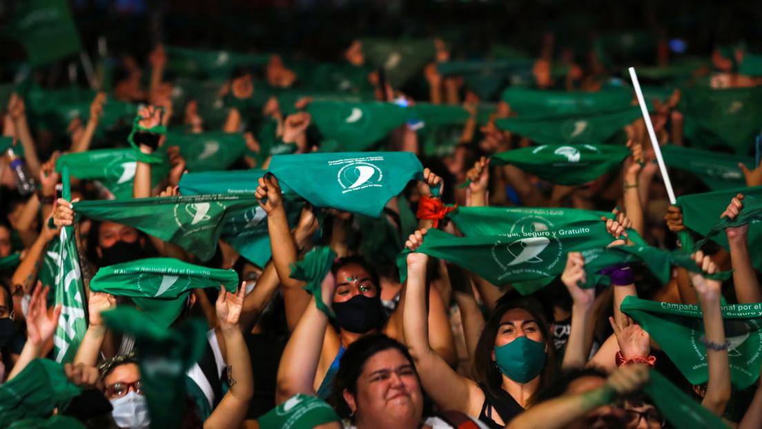 ¿Ola verde en América Latina? La legalización del aborto en Argentina impulsa las luchas feministas en la región
