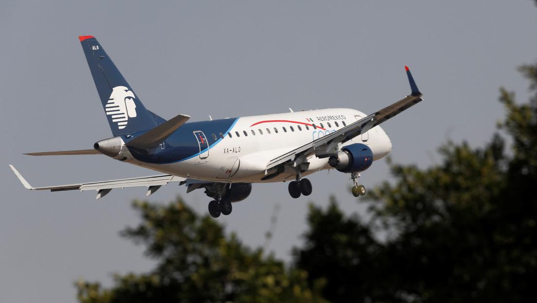 VIDEO: Se incendia el motor de un avión de Aeroméxico durante el despegue tras el impacto de un ave