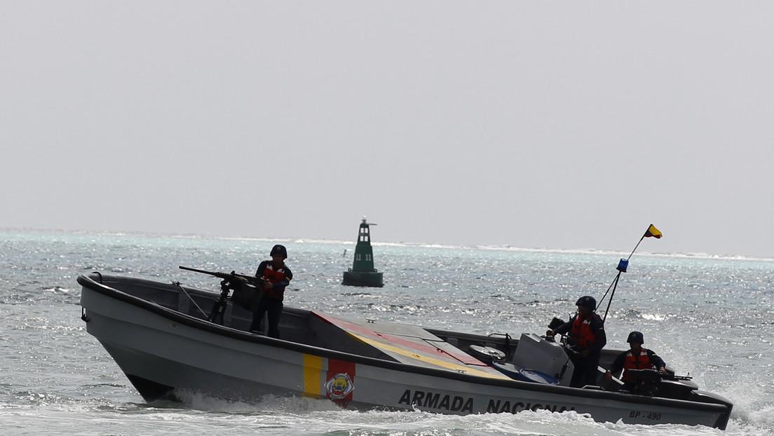 La Armada de Colombia reporta dos migrantes muertos y cinco desaparecidos tras el naufragio de una embarcación en el norte del país