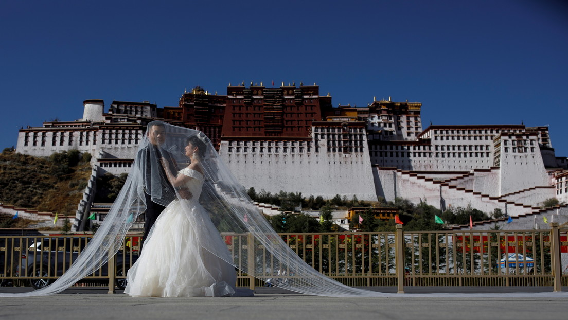Tribunal chino anula un matrimonio porque el hombre no le informó a su pareja antes de casarse que tenía sida