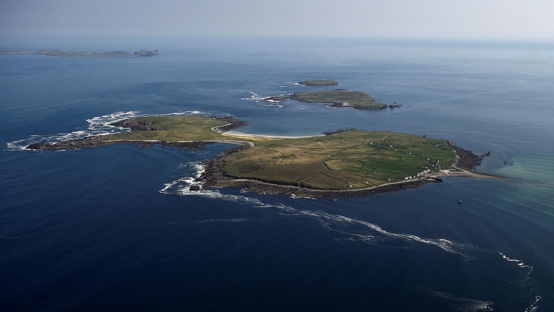 Una pareja evita el coronavirus al refugiarse en una isla remota sin electricidad ni agua corriente