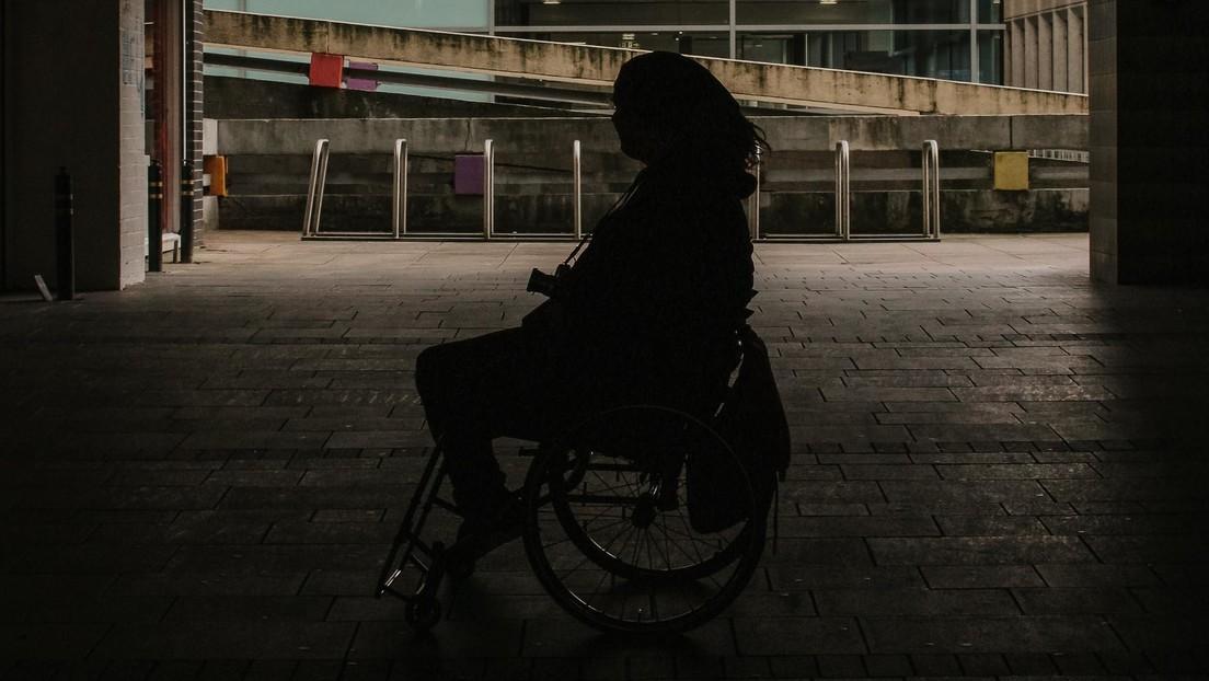 Una mujer mantuvo a su hija sana en una silla de ruedas durante 6 años tras exagerar una serie de síntomas