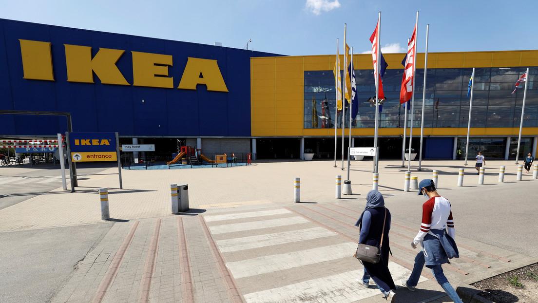 IKEA ofrece consolas PS5 y Xbox Series X hechas de cartón para escoger muebles donde puedan caber