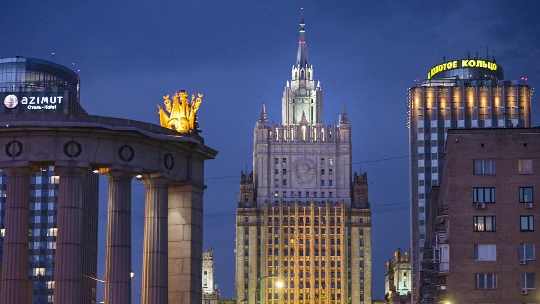 """Moscú: """"El arcaico sistema electoral es la causa de la división en la sociedad estadounidense"""""""