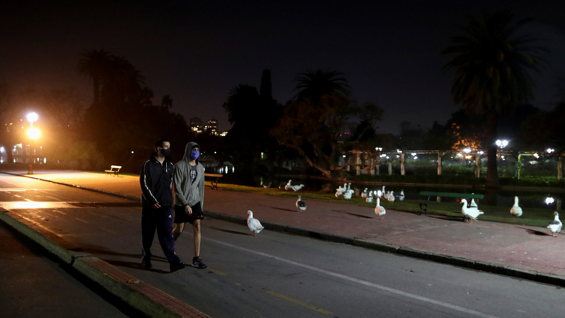 Argentina planea restringir la circulación nocturna por el aumento de contagios