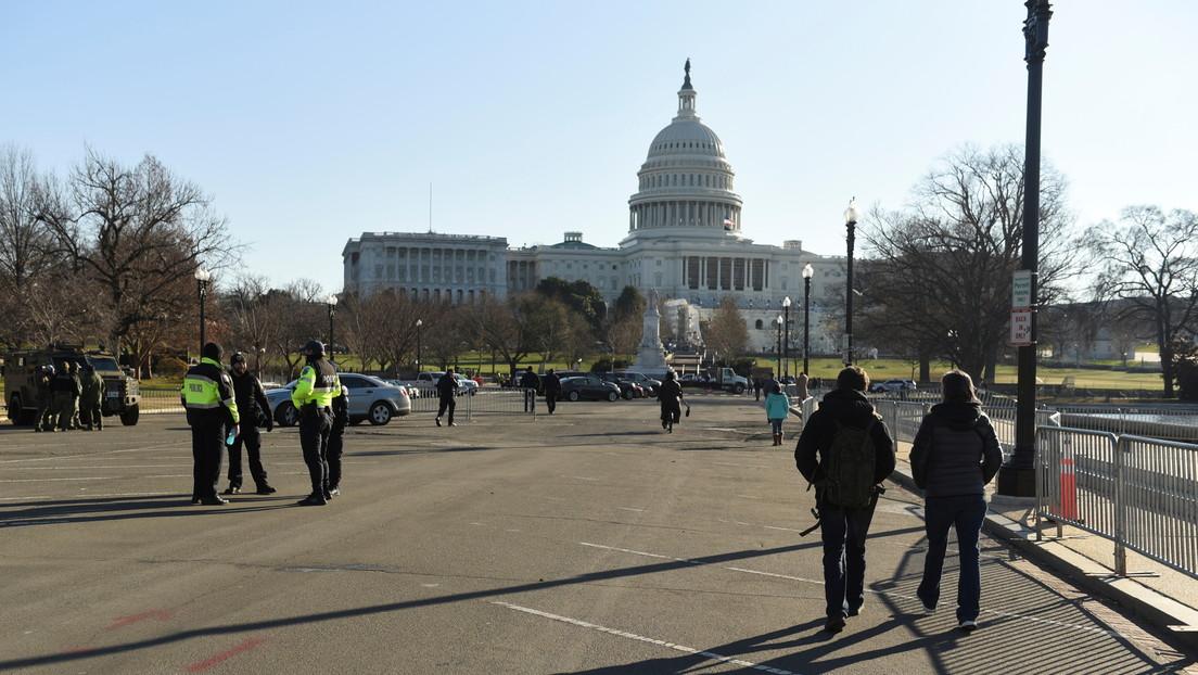 Divulgan la foto de un supuesto explosivo hallado cerca del Capitolio de EE.UU. durante el asalto de partidarios de Trump
