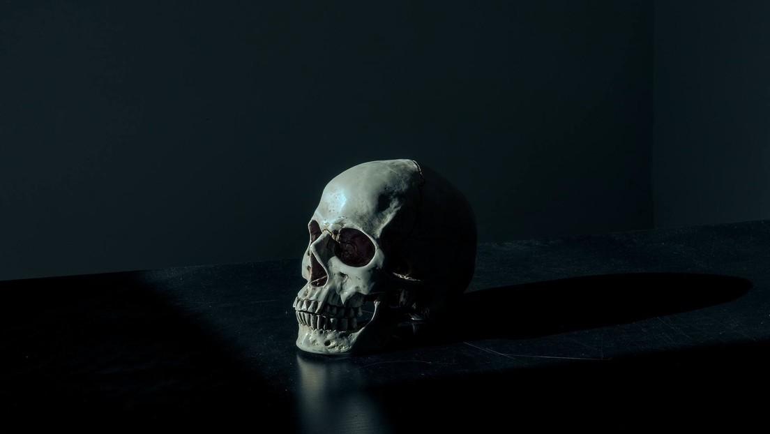 Una casa de subastas retira de la venta un cráneo humano en forma de copa ceremonial tras una denuncia (FOTO)
