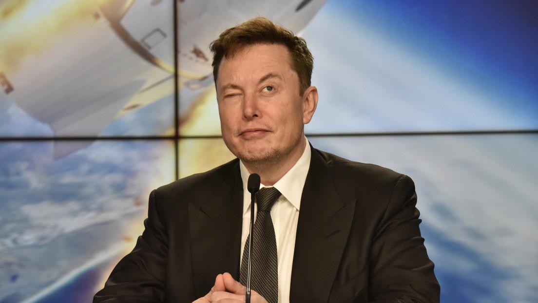 """Elon Musk pide una """"opinión crítica"""" sobre cómo donar su fortuna tras convertirse en la persona más rica del mundo"""