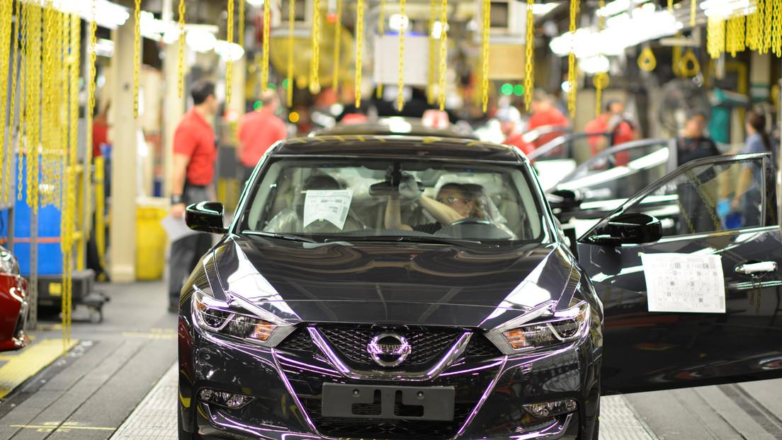 La escasez global de semiconductores obliga a varios fabricantes de vehículos a reducir su producción