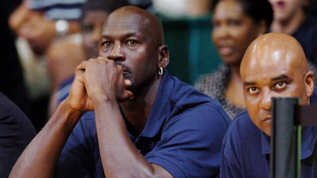 """La marca deportiva china Qiaodan debe indemnizar con 46.000 dólares a Michael Jordan por """"daños emocionales"""""""