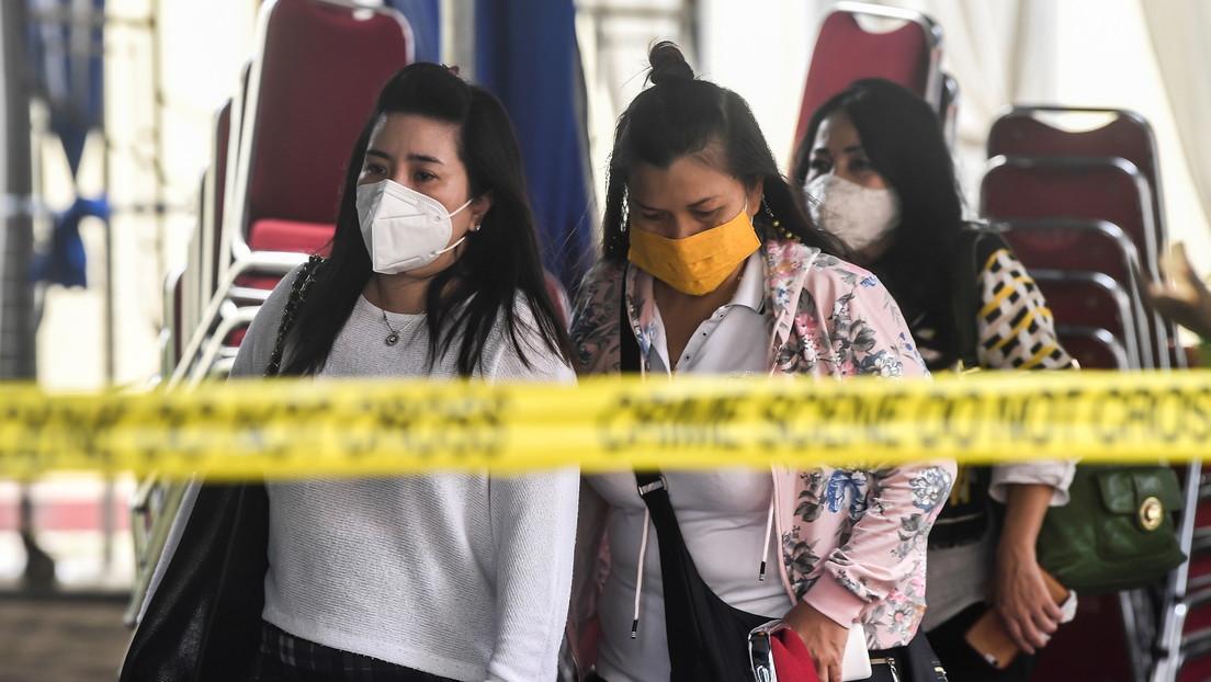 """""""Adiós familia"""": el desgarrador último mensaje de una madre antes de subir al avión que se estrelló en Indonesia"""